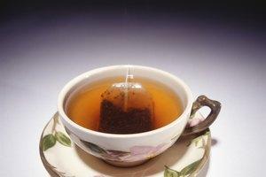 ¿El té negro causa malestar al estómago igual que el café?