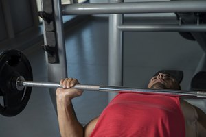 ¿Cuánto peso puede levantar un hombre promedio?