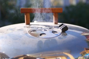How to Use the Vents on a Weber Grill