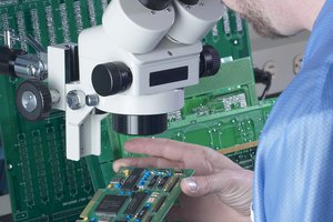 What Classes Do I Have to Take for an Electronic Engineering Degree?