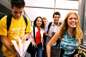 How to Maximize Chances of Getting Into College