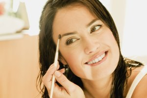 How to Enhance the Natural Beauty of Eyebrows