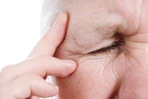 Primeros signos y síntomas de culebrilla en los ojos