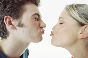 How to Get the Confidence to Kiss Your Girlfriend