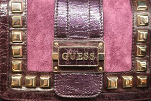How to Tell the Difference Between Fake GUESS Wallets & Real GUESS Wallets