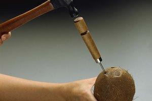 Cómo pelar la cáscara de un coco