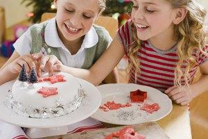 How to Make Edible Christmas Hard Sugar Cake Decorations