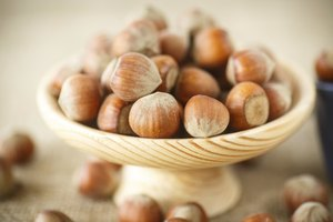 Differences Between Hazelnuts and Macadamia Nuts