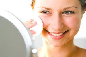 Cómo aplicar aceite de jojoba sobre la piel del rostro