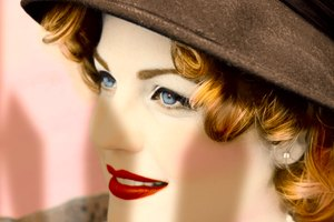 Hairstyles for Vintage Hats