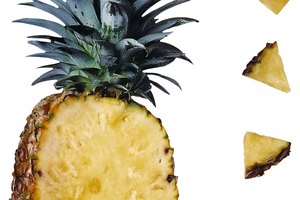 Difference Between Pineapple Juice Vs. Pineapple Concentrate