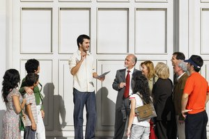 Should Students Take Public Speaking Classes?
