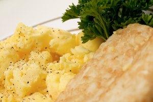 ¿Cuántas calorías hay en huevos revueltos?