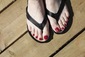 How to Get Rid of Dark Toe Knuckles