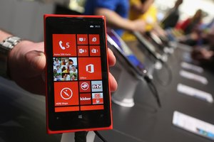 How to Transfer Contacts From a SIM Card to Windows Phone