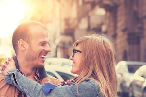 Fun & Unpredictable Ideas for a First Date