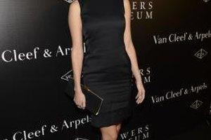You can't go wrong if you wear a little black dress like Eva Amurri Martino to an art opening.