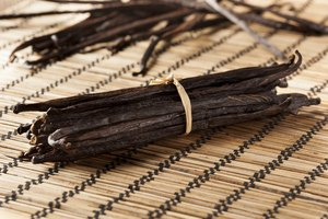 How to Substitute Vanilla Sugar for Vanilla Extract