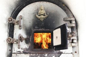 How Is Cremation Done?