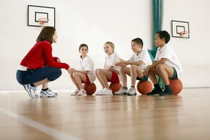 Advantages & Disadvantages of Mandatory PE in Schools
