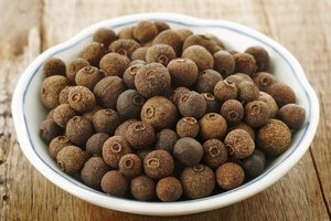 3 Ways to Substitute Allspice in a Recipe