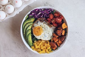 Rainbow Breakfast Bowl feat. Courtnie Hamel