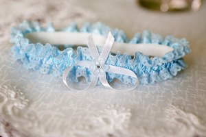 What Is the Meaning of a Garter for Prom?