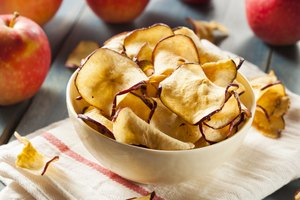 How to Make Apple Chips with a Food Dehydrator