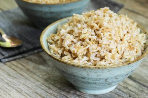 How to Make Tasty, No-stick Brown Rice in a Rice Cooker