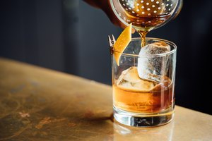 How to Make Hennessy Mixed Drinks
