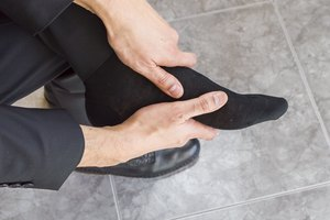 How to Massage Feet to Relieve Gout