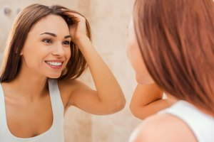 How to Straighten Hair With a Clothes Iron