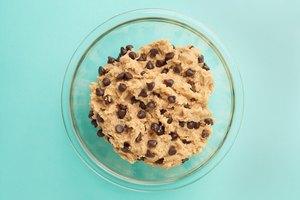 How to Moisten Cookie Dough