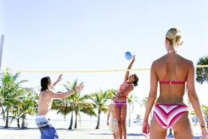 ¿Cuál es la altura de una red de voleibol Oficial?