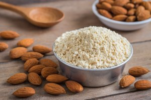 How to Substitute Almond Meal for Flour