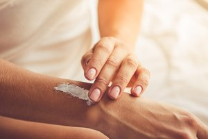 The Difference Between Gel, Cream and Ointment
