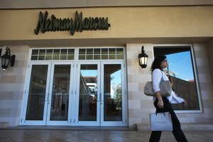 How to Exchange an Item at Neiman Marcus Without a Receipt