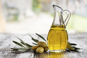 How to Use Olive Oil on Hair