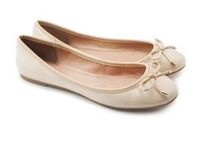 Tips on How to Break in Ballet Flats That Hurt Heels