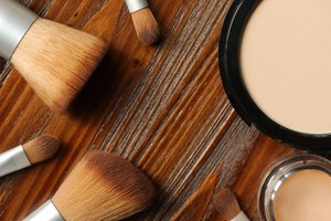 Difference Between Pressed Powder & Foundation
