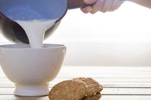 How to Warm Coconut Milk