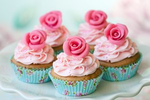 How to Dry Royal Icing Flowers Fast