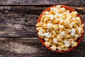 How to Make Popcorn in a Cast Iron Skillet