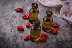 How to Make Rosehip Oil