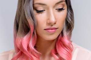 How to Dye Hair Two Different Colors