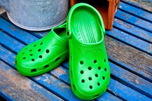 How to Polish Crocs