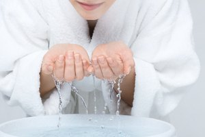 How to Wash a Face After a Chemical Peel
