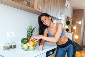 ¿Cuántos gramos de carbohidratos debo consumir por día para perder peso?