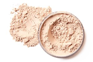 How Do I Get My Bare Minerals to Last All Day?