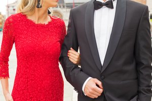 How to Dress for an Afternoon Wedding